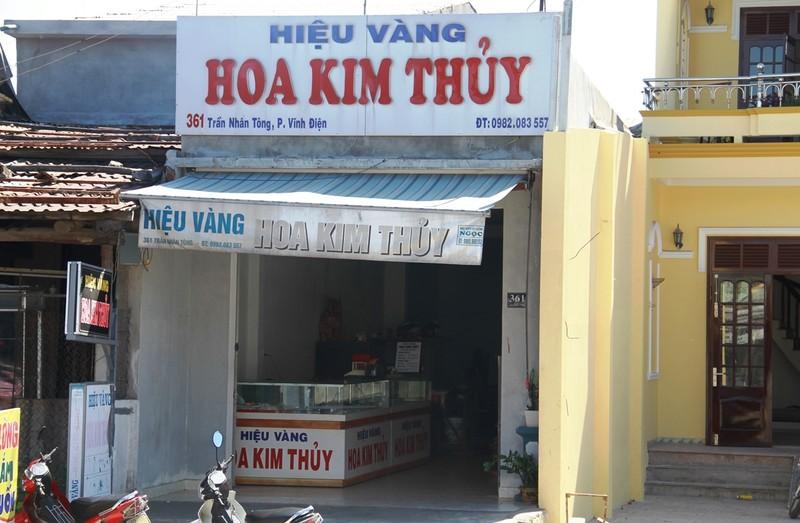Dùng búa cướp tiệm vàng ở Quảng Nam - ảnh 1