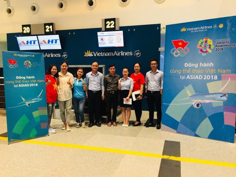 Thuê nguyên máy bay chở CĐV đến Indonesia cổ vũ cho Olympic VN - ảnh 2