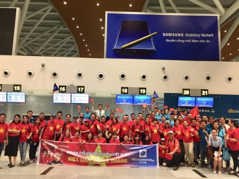 Thuê nguyên máy bay chở CĐV đến Indonesia cổ vũ cho Olympic VN - ảnh 3