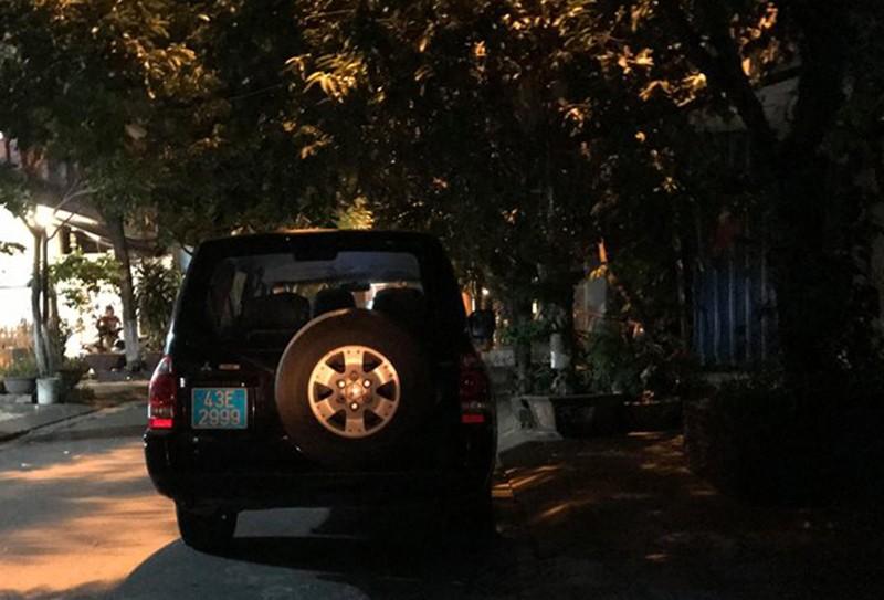 Khám xét nhà riêng cựu chánh văn phòng Thành ủy Đà Nẵng  - ảnh 3