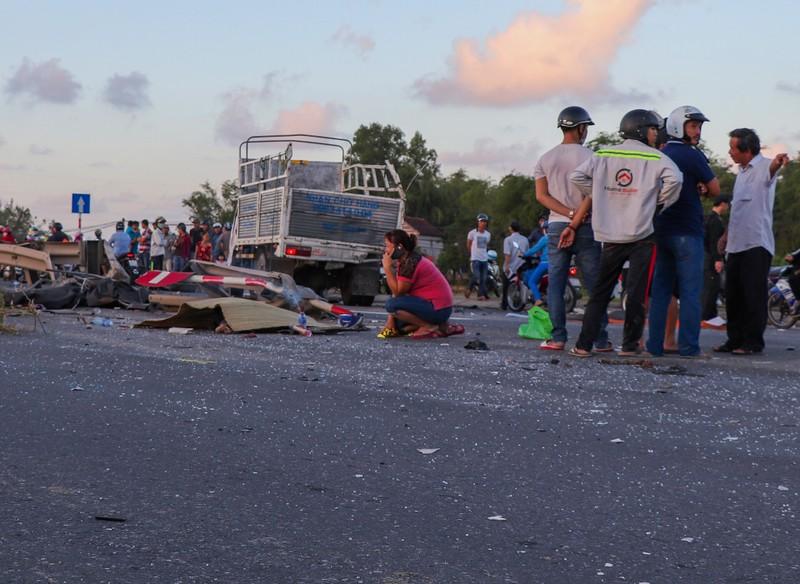 Hàng loạt xe đâm nhau liên hoàn, tài xế rơi ra ngoài tử vong  - ảnh 3