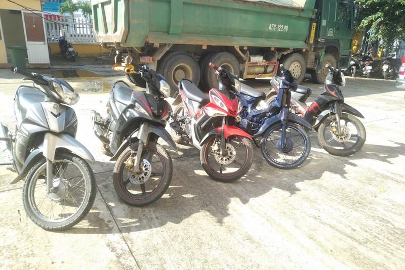 Đôi nam nữ liên tiếp trộm xe máy tại Quảng Nam - ảnh 1
