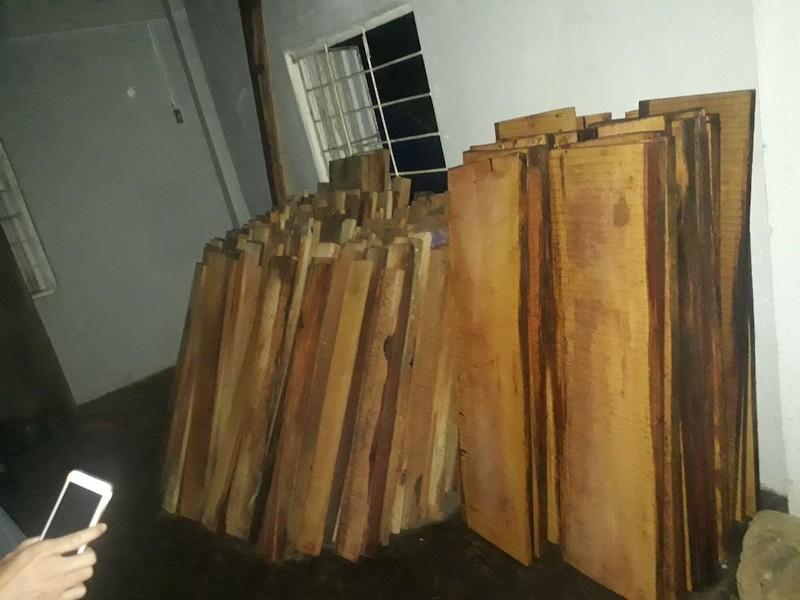 Tổng giám đốc thủy điện cất giấu hàng trăm phách gỗ - ảnh 2