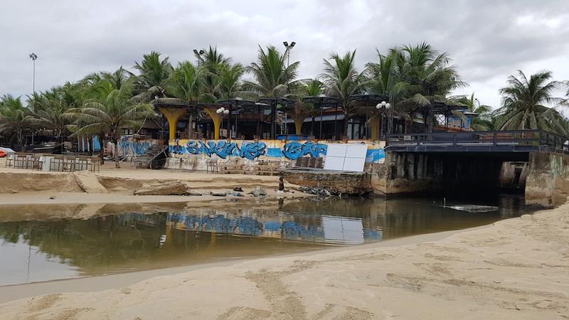 Đà Nẵng cử 7 người chuyên giám sát xả thải ra bãi biển - ảnh 1