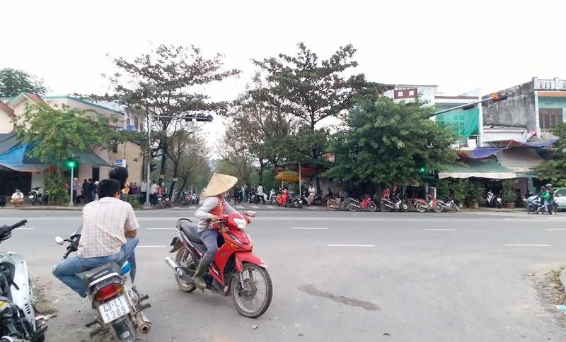 Đà Nẵng đối thoại với dân về bãi rác Khánh Sơn bất thành - ảnh 1