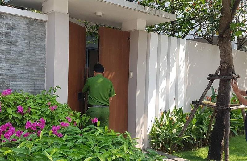 Xe công an ghé nhà cựu Phó chủ tịch UBND TP Đà Nẵng  - ảnh 2
