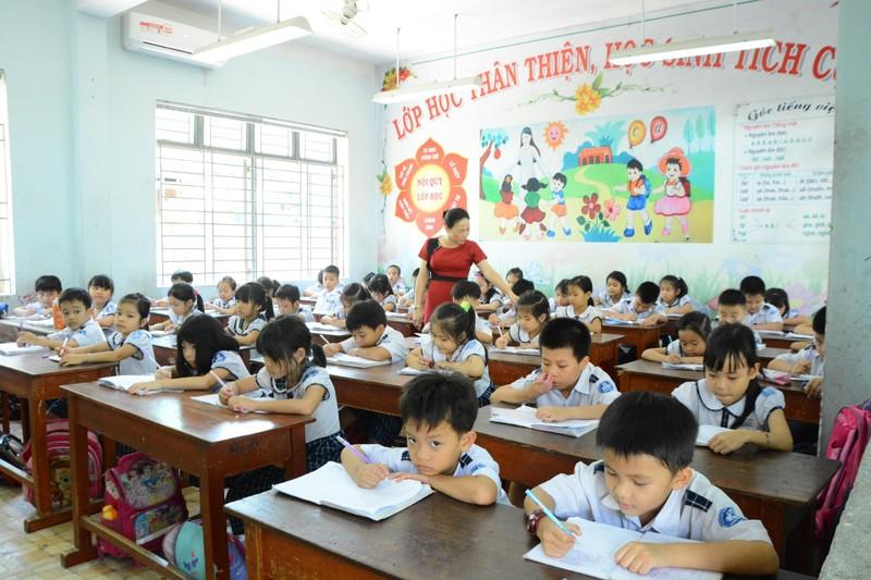 Gần 800 giáo viên ở Quảng Ngãi đợi lương - ảnh 1