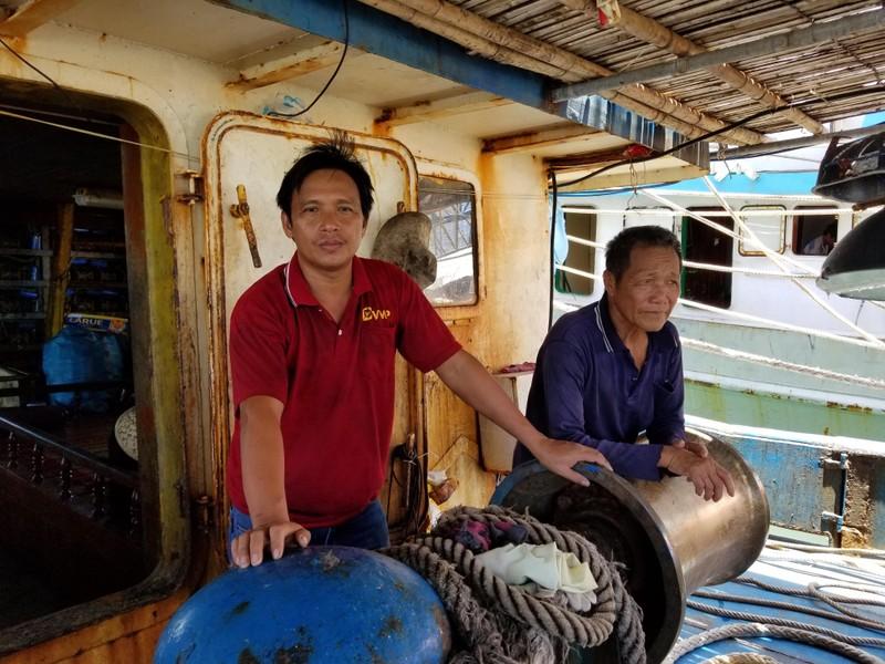 Ngư dân tố bị tàu Trung Quốc áp sát lấy đi hơn 2 tấn mực khô - ảnh 2