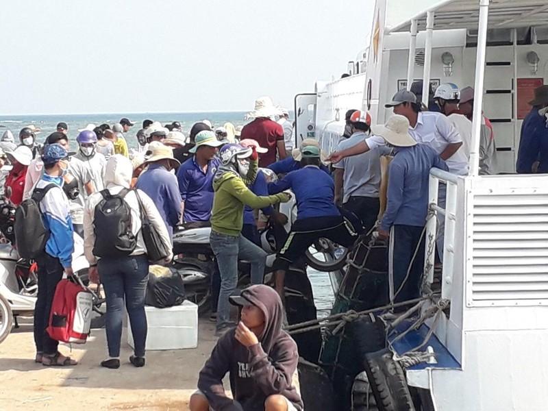 Chính thức thu phí du khách đến đảo Lý Sơn - ảnh 1