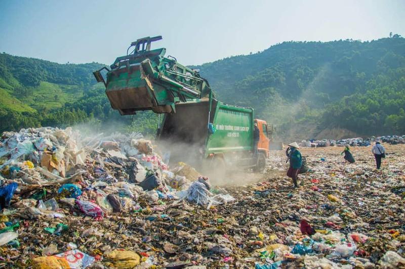 Đà Nẵng: Rác chất đống trong phố vì bất cập đủ đường - ảnh 1