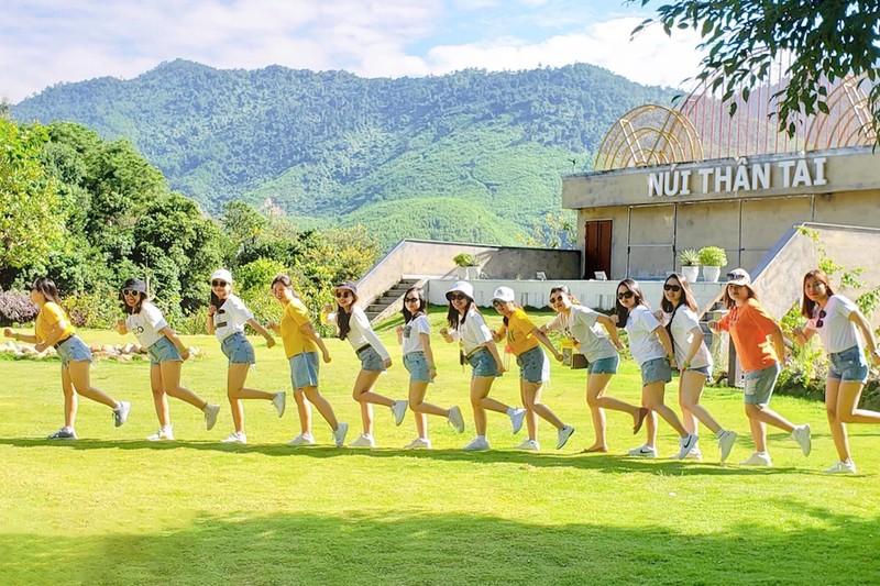 Phụ nữ sẽ được giảm 50% giá vé tại Núi Thần Tài - ảnh 1