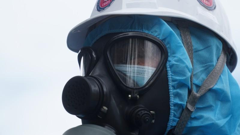 Đoàn xe quân đội phun thuốc khử trùng tại quận Sơn Trà - ảnh 3