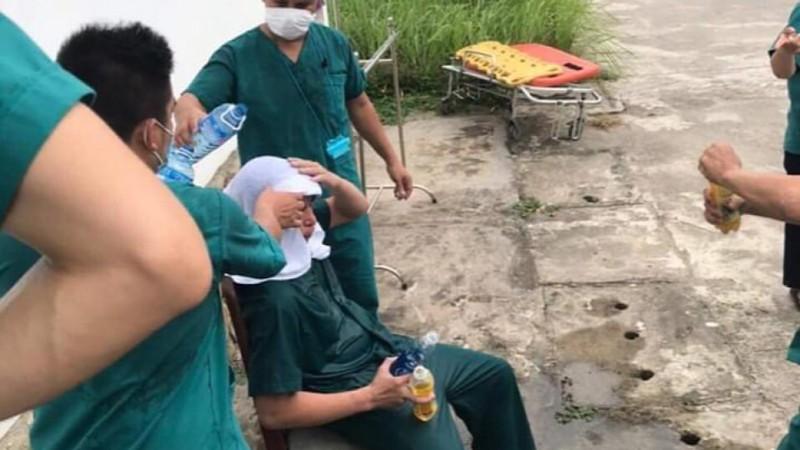 Nhói lòng khi bác sĩ, nhân viên y tế ở Đà Nẵng kiệt sức - ảnh 4