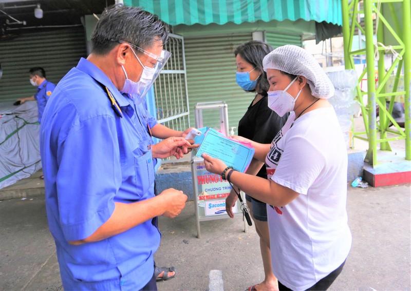 Từ hôm nay, người dân Đà Nẵng đi chợ bằng Thẻ - ảnh 5