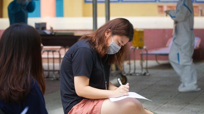 Người nước ngoài ở Đà Nẵng hạnh phúc đi lấy mẫu xét nghiệm - ảnh 2