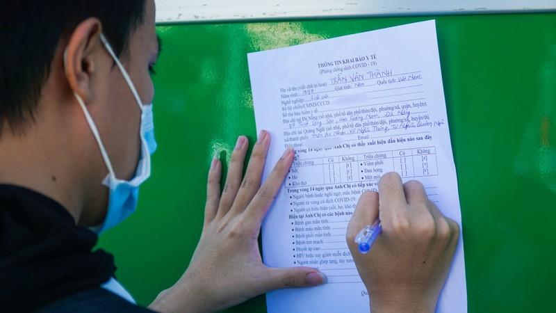 Hơn 700 người dân Quảng Ngãi rời 'tâm dịch Đà Nẵng' về quê - ảnh 3