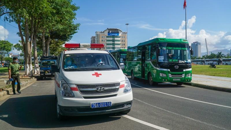 Hơn 700 người dân Quảng Ngãi rời 'tâm dịch Đà Nẵng' về quê - ảnh 7