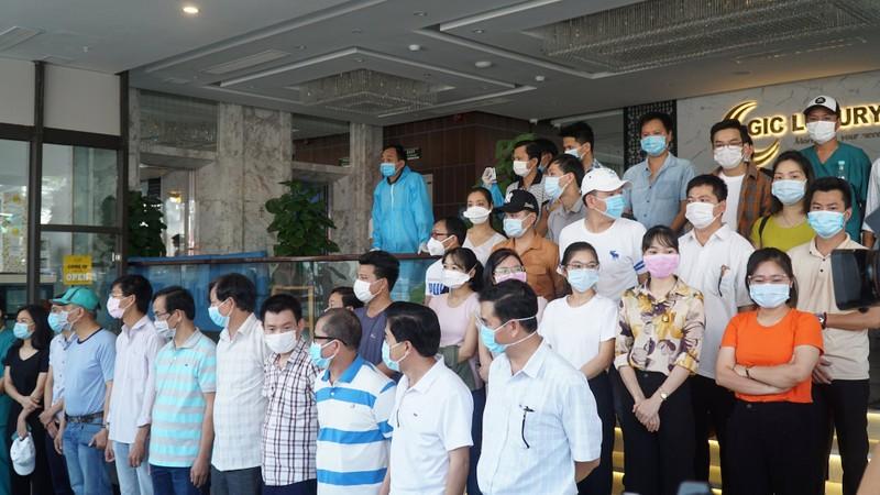 Đoàn y bác sĩ Huế, Bình Định rút khỏi Đà Nẵng - ảnh 1