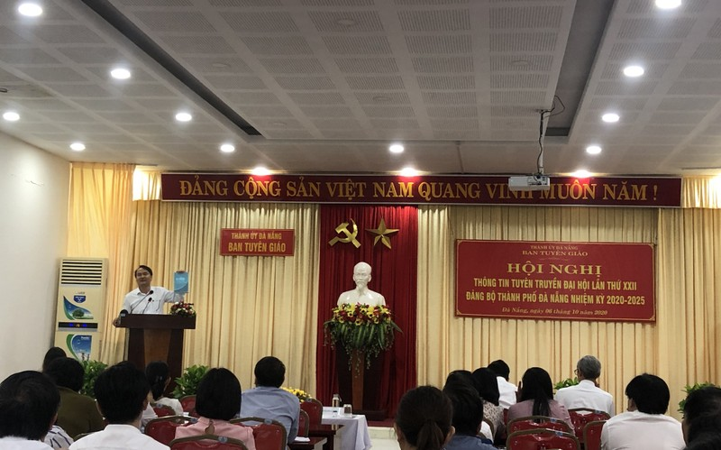 Đà Nẵng: Quà tặng Đại biểu dự Đại hội là sách viết về TP - ảnh 1