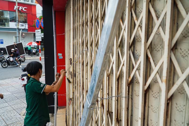Khách sạn ở Đà Nẵng thuê container về chống bão số 9 - ảnh 1