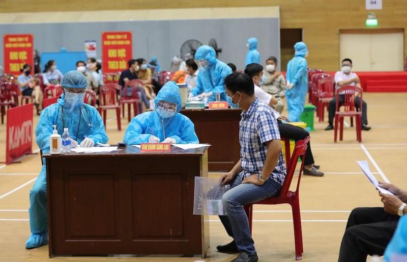 Đà Nẵng hỗ trợ nhân viên y tế mỗi ngày 450.000 đồng, chưa kể tiền ăn - ảnh 1