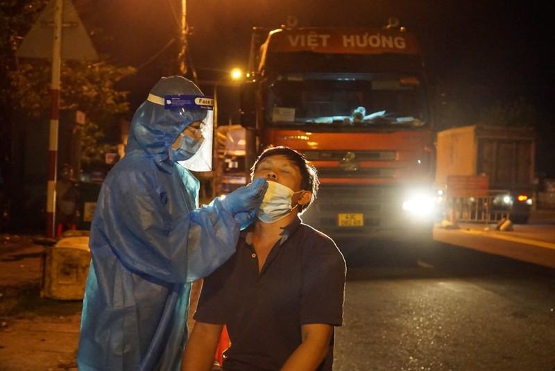 Dân rối bời vì muốn rời TP phải làm đơn chờ UBND TP Đà Nẵng duyệt - ảnh 1