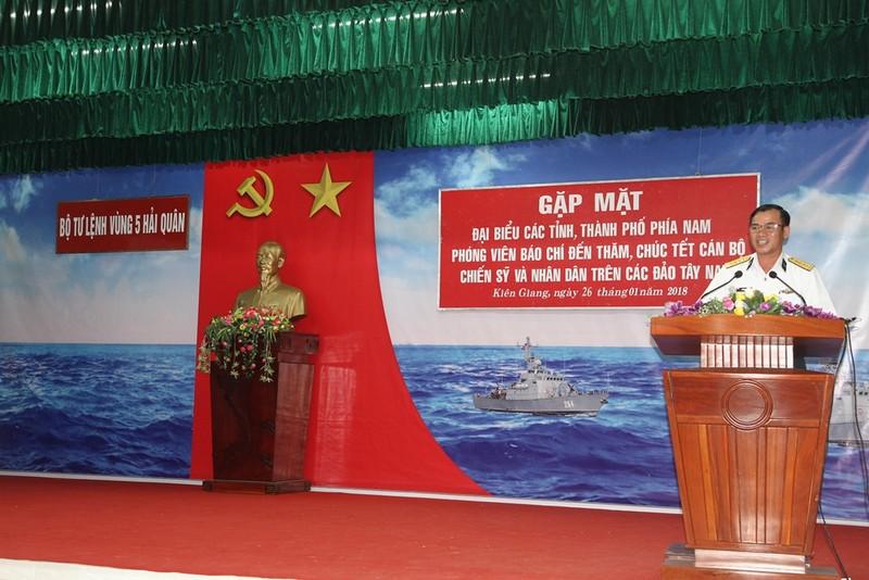 Các tỉnh thành phía Nam chúc tết Vùng 5 Hải quân - ảnh 1
