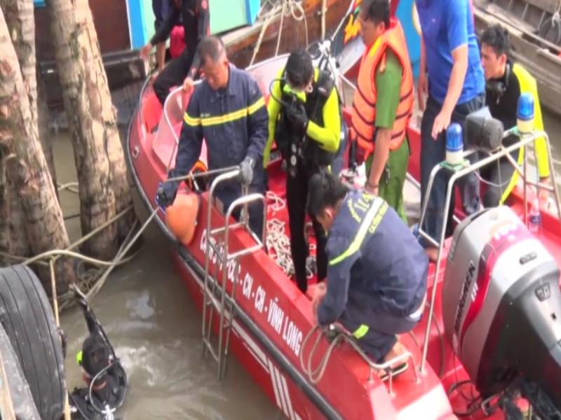 1 công nhân rơi xuống sông tử vong - ảnh 2