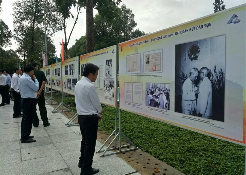 Chủ tịch nước dự lễ kỷ niệm 130 năm ngày sinh Bác Tôn - ảnh 7