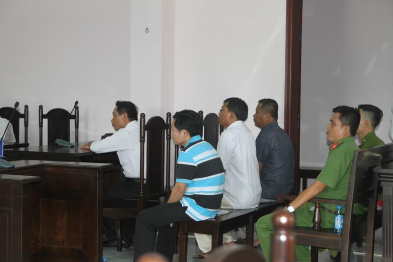 Bị cáo nhập viện rồi biến mất, tòa phải hoãn xử - ảnh 1