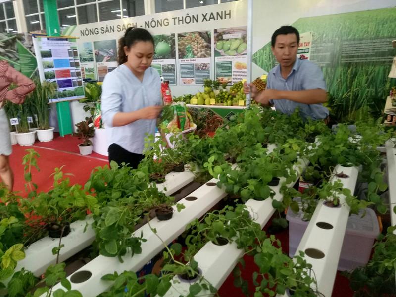 300 doanh nghiệp dự hội chợ nông nghiệp quốc tế - ảnh 2