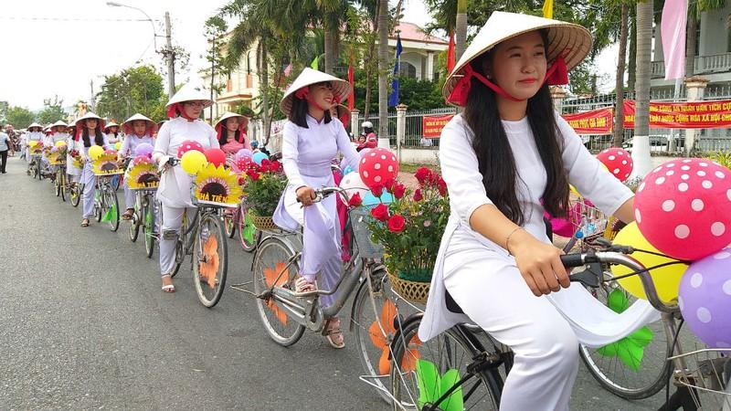 Thành phố Hà Tiên khai thác tối đa lợi thế địa lý, cảnh quan - ảnh 8