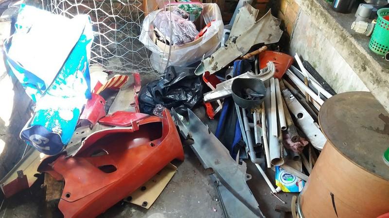 Điều tra vụ trộm xe, phát hiện nơi chế tạo súng trái phép - ảnh 3