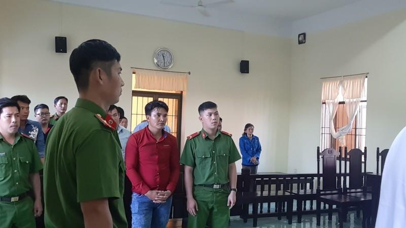 Bắt giam bị cáo ngay tại tòa vụ 'cướp xuyên không' - ảnh 3
