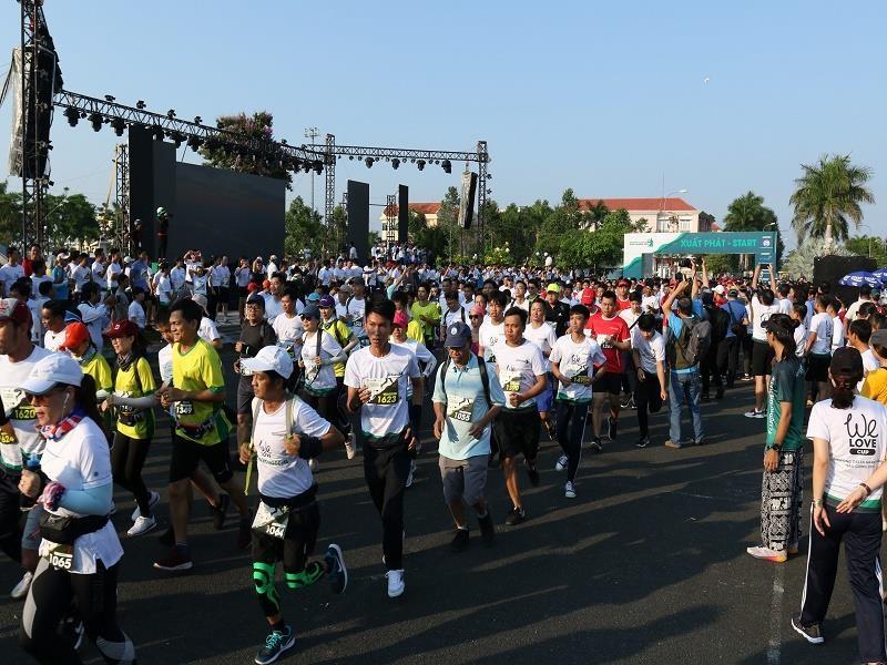 Hơn 4.000 người chạy Marathon chống biến đổi khí hậu - ảnh 2