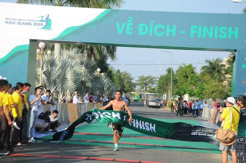 Hơn 4.000 người chạy Marathon chống biến đổi khí hậu - ảnh 3