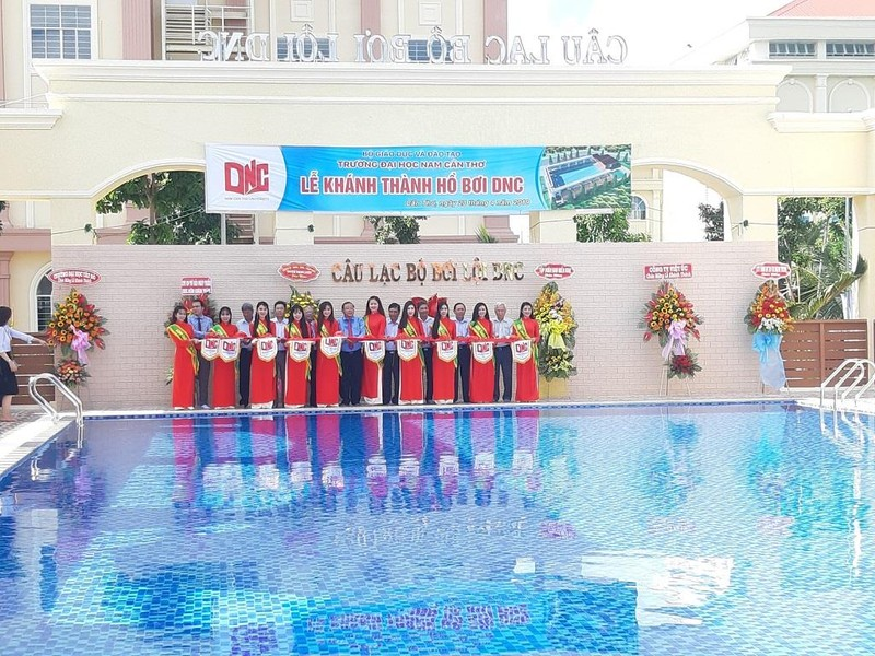 Khánh thành hồ bơi đạt chuẩn quốc gia 10 tỉ đồng - ảnh 1