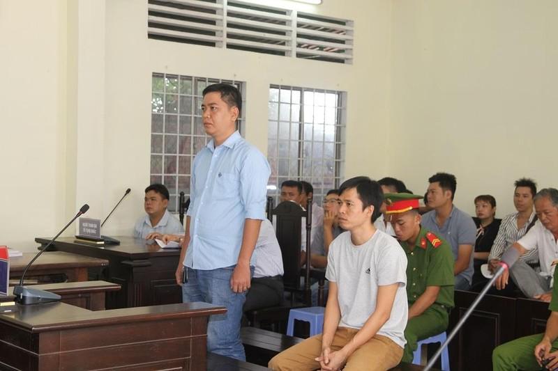 Hoãn xử 2 cựu công an đánh người vi phạm giao thông - ảnh 1