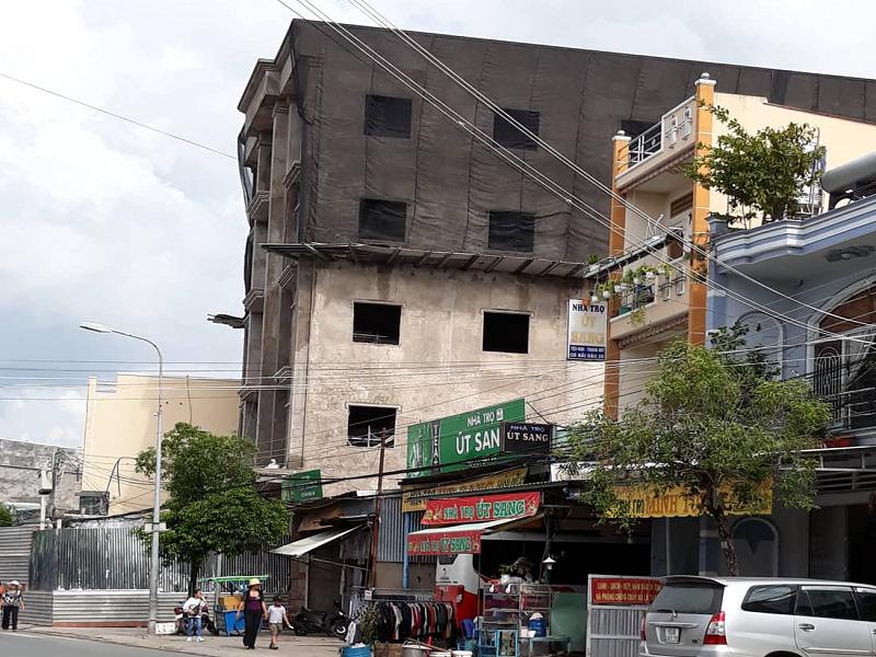 Châu Đốc thông tin về căn nhà xây vượt tầng ở khu vực Miếu Bà - ảnh 1