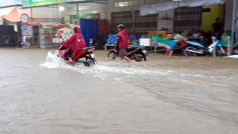 Cận cảnh đảo ngọc Phú Quốc bị nhấn chìm trong nước - ảnh 2