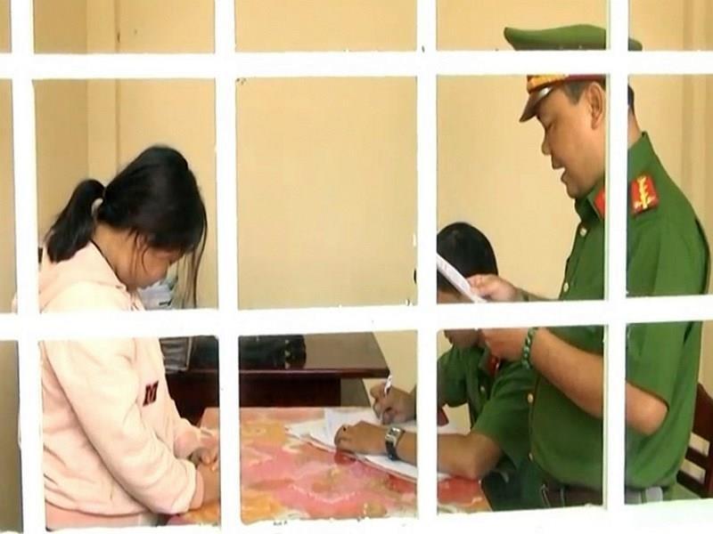 Truy tố nữ nhân viên bưu điện tham ô 2 tỉ đồng - ảnh 1