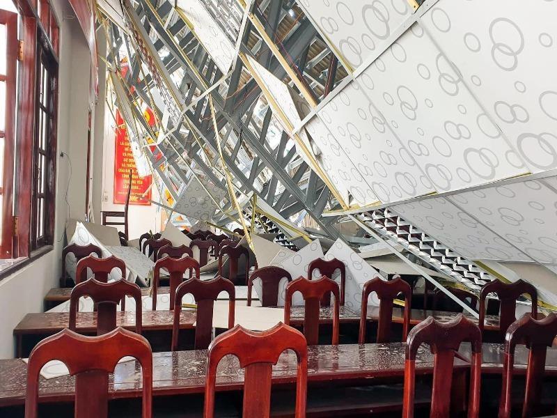 Đơn vị thi công nói về vụ sập mái hội trường thị trấn Ngã Sáu - ảnh 1