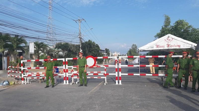 Phó Thủ tướng Trương Hòa Bình khảo sát điểm sạt lở QL91 - ảnh 10