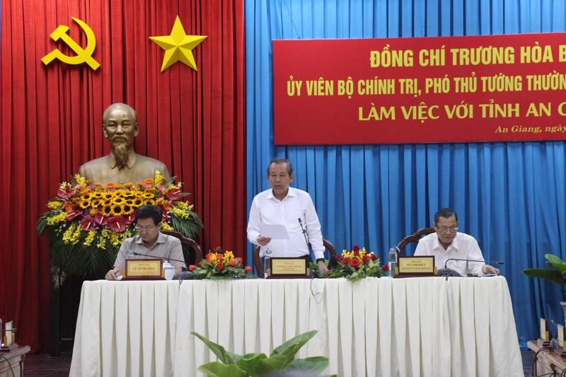 Phó Thủ tướng Trương Hòa Bình khảo sát điểm sạt lở QL91 - ảnh 11