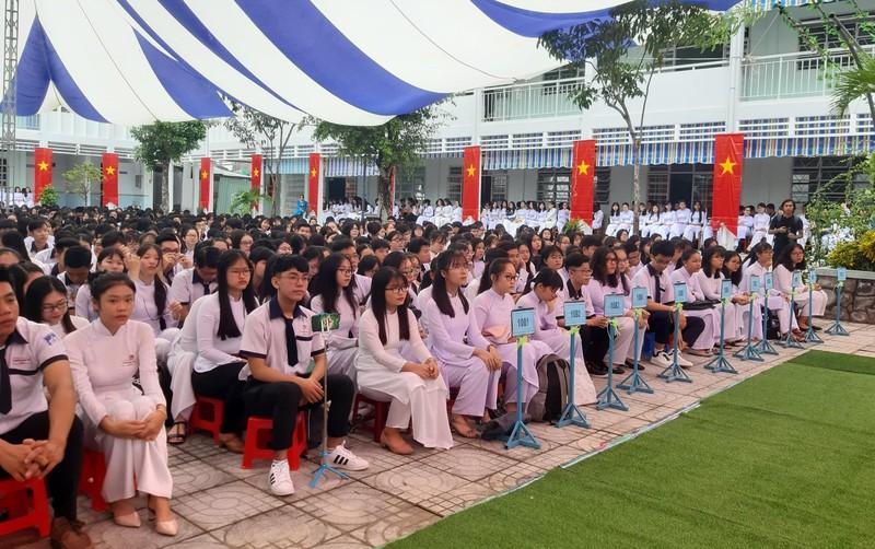 Chủ tịch QH Nguyễn Thị Kim Ngân dự khai giảng tại Đồng Tháp - ảnh 3