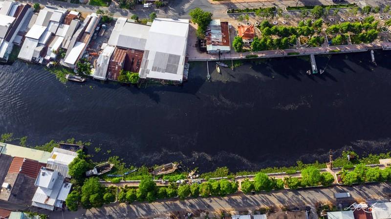 'Sốt ruột' chờ kết luận vụ nước sông đen bất thường - ảnh 3