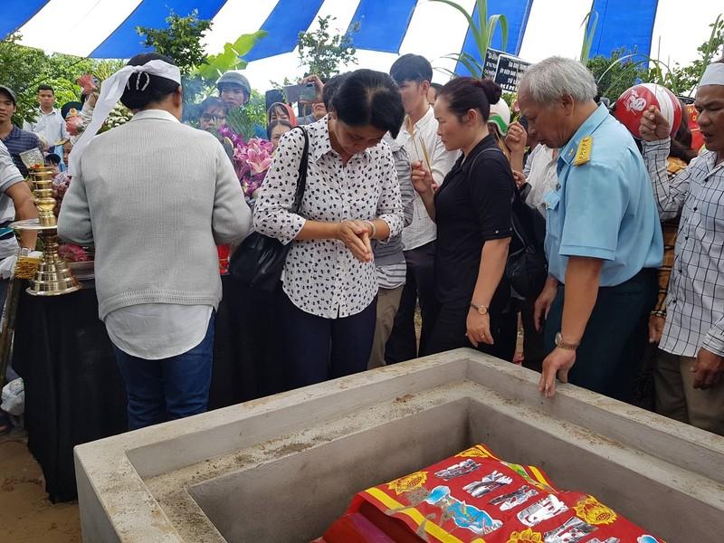 Anh hùng phi công Nguyễn Văn Bảy ngủ yên trong lòng đất mẹ - ảnh 5