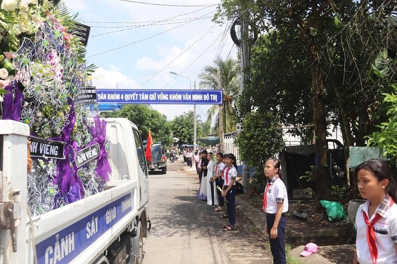 Anh hùng phi công Nguyễn Văn Bảy ngủ yên trong lòng đất mẹ - ảnh 2
