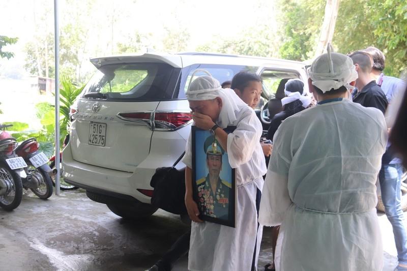 Anh hùng phi công Nguyễn Văn Bảy ngủ yên trong lòng đất mẹ - ảnh 8