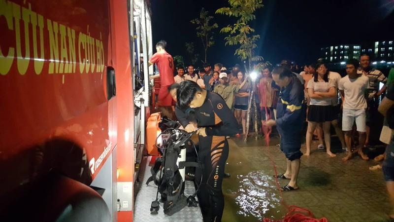 Cần Thơ: Nước ngập đường, 1 phụ nữ rơi xuống hồ mất tích - ảnh 1